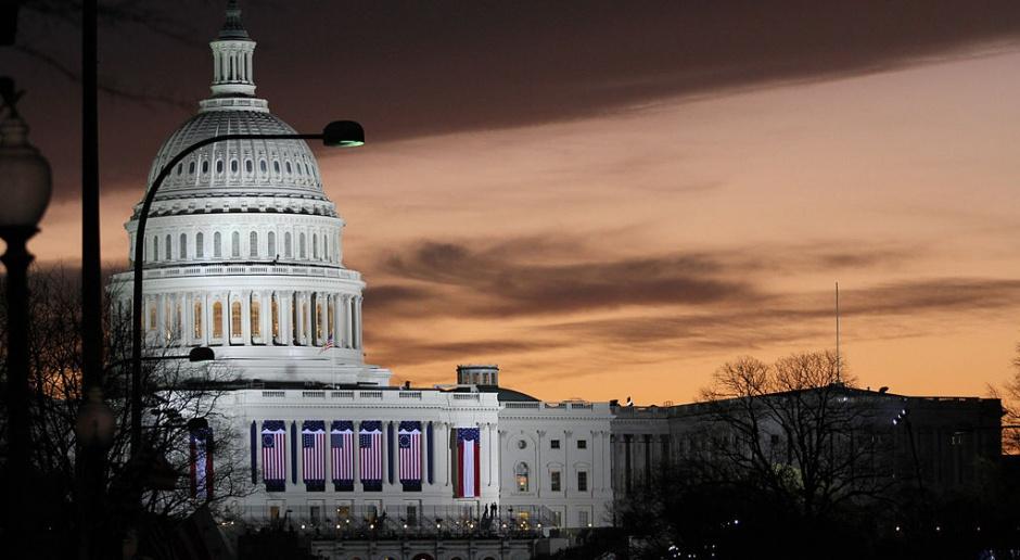 Senat USA przyjął ustawę, by tymczasowo przedłużyć budżet