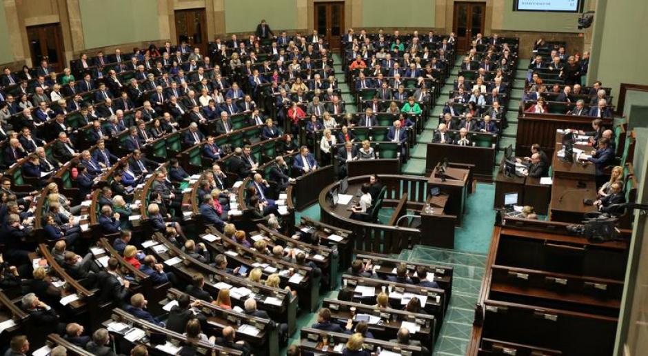 Sejm wprowadził podatek bankowy ze stawką 0,44 proc. rocznie