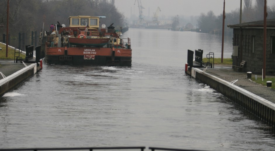 Próbny transport węgla barkami do Wrocławia