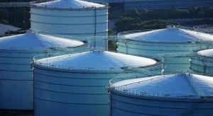 Posłowie przegłosowali zmiany w przechowywaniu ropy i paliw