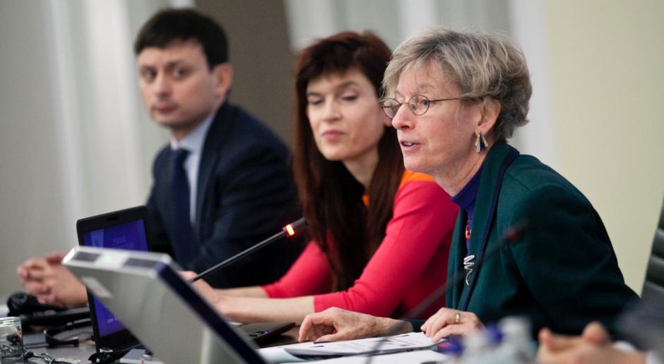OECD spodziewa się w Polsce spadku bezrobocia i wzrostu dochodów
