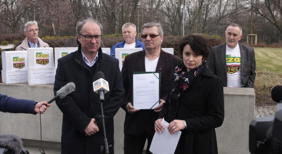 Walka o deputaty: podpisy do marszałka Sejmu