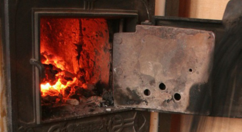 Jakie wymogi powinny spełniać domowe kotły na paliwo stałe?
