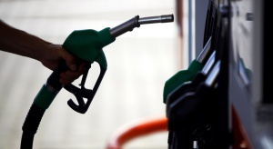 Polacy zużywają coraz więcej paliw