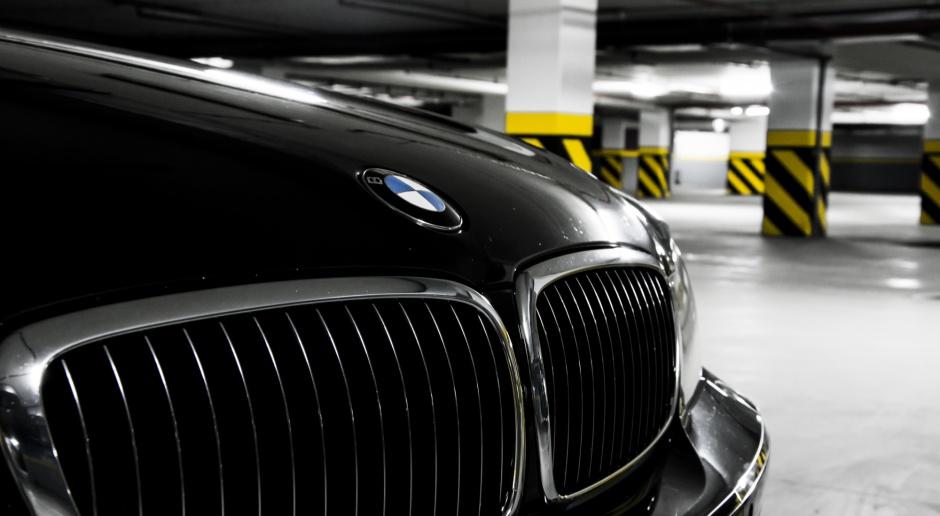 BMW wycofuje samochody, bo mogą nagle stawać na drodze