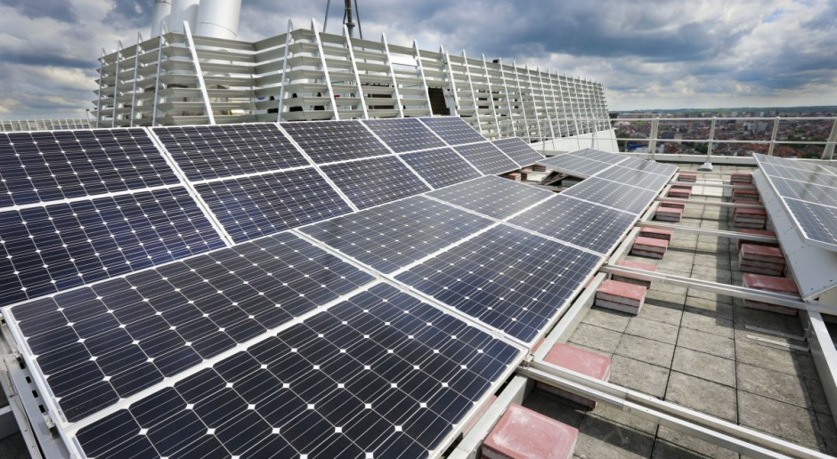 W czasie suszy i upałów energia słoneczna zmniejszy ryzyko blackoutu