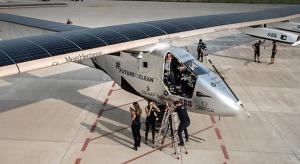 Solarny samolot rozpoczął podróż przez Atlantyk