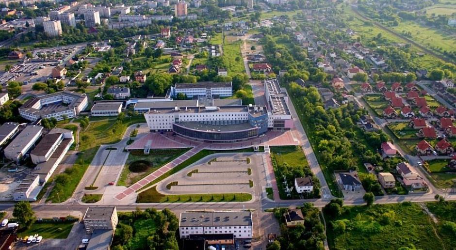 Śląskie: Awaria sieci ciepłowniczej w Dąbrowie Górniczej