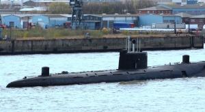 Wallace: Rosyjskie okręty okrążają Wielką Brytanię