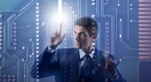 Czym różni się ochrona przed cyberatakami przemysłu i biznesu?