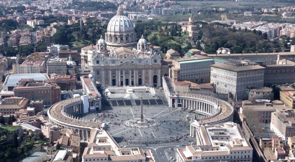 Koordynator doradców papieża zarabiał 35 tys. euro miesięcznie