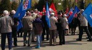 OPZZ wywalczył ochronę dla 52 tys. pracujących za granicą Polaków