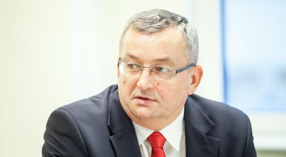 Andrzej Adamczyk: decyzja o przyjęciu Pakietu mobilności jest szkodliwa