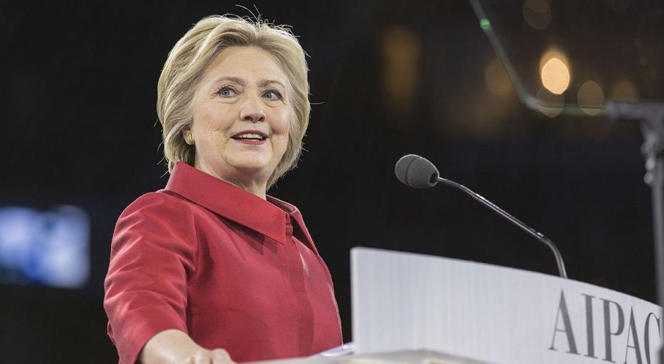 Clinton: prezydentura Trumpa byłaby katastrofą dla gospodarki