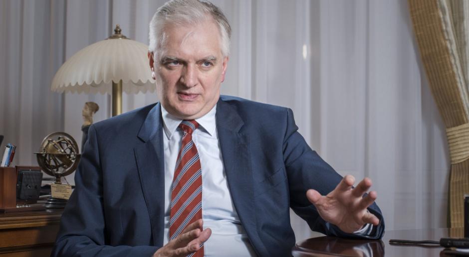 """Gowin w """"FT"""": państwo powinno wykupić niektóre zagraniczne banki w Polsce"""