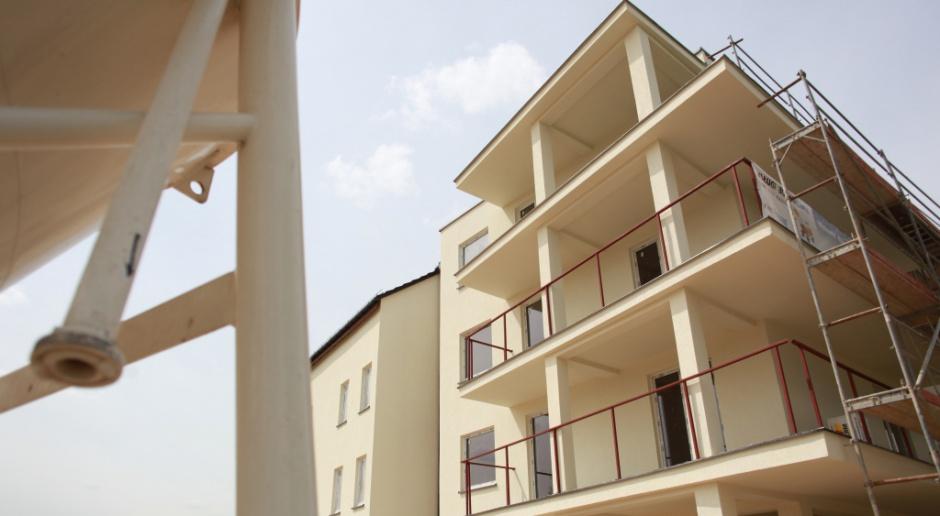 Liczba oddanych mieszkań wzrosła, ale mniej jest nowych pozwoleń