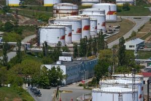 Rosja tnie produkcję ropy
