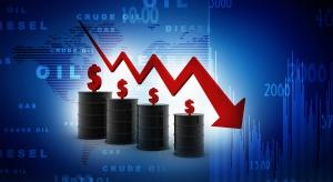 Ropa naftowa tanieje przez dolara. Jest jeszcze jeden czynnik