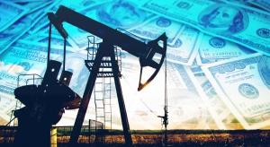 Ropa na lekkim minusie; zapasy w USA mocno spadły