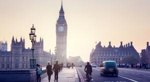Przez wirusa Brytyjczycy przestali kupować domy i mieszkania