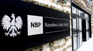 """Wynagrodzenia w NBP to """"koryto plus"""""""