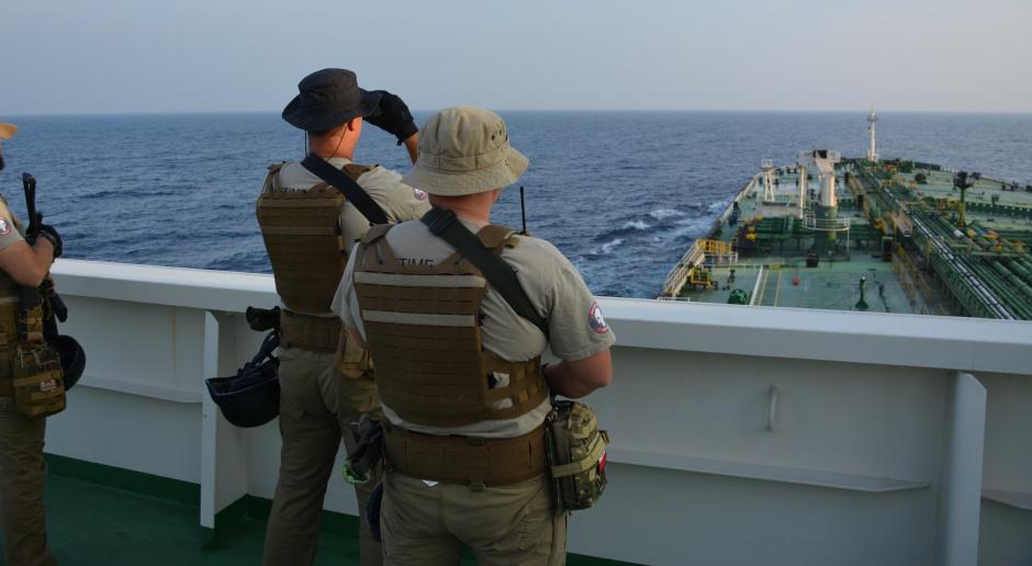USA: Straż przybrzeżna zawiesiła poszukiwania statku z 20 osobami