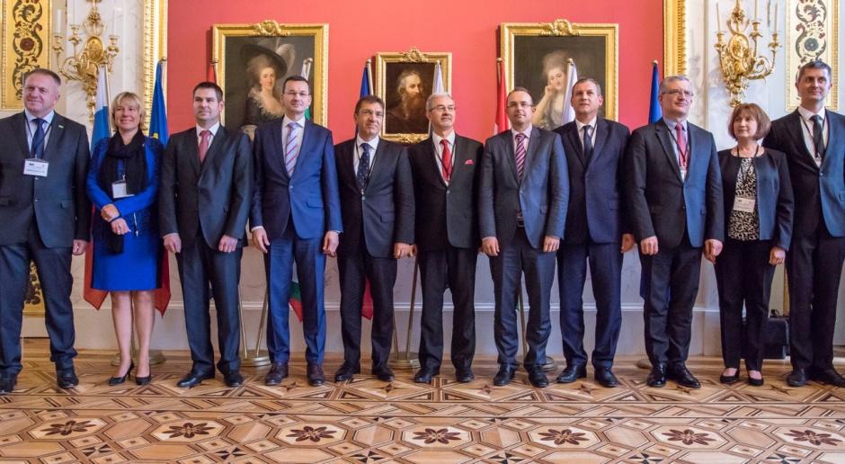 Przedstawiciele ministerstw odpowiedzialnych za sprawy gospodarcze państw V4