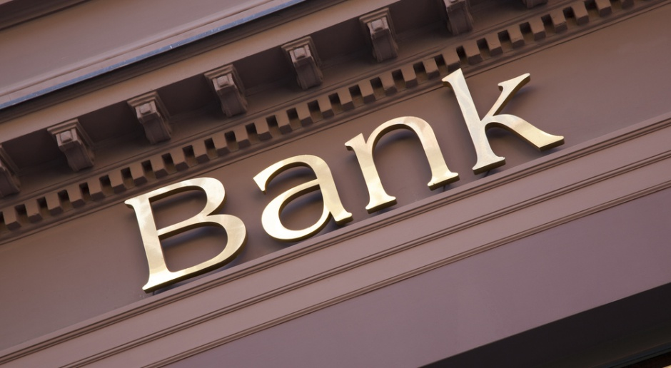 Z krajobrazu polskich miast znikają placówki bankowe