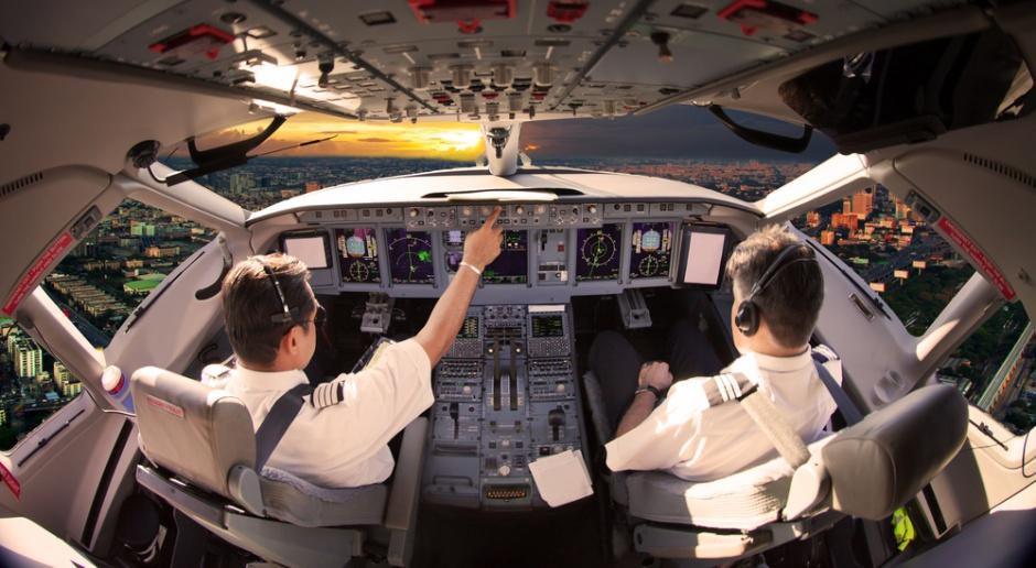 Chińskie linie lotnicze zatrudniają pilotów z zagranicy