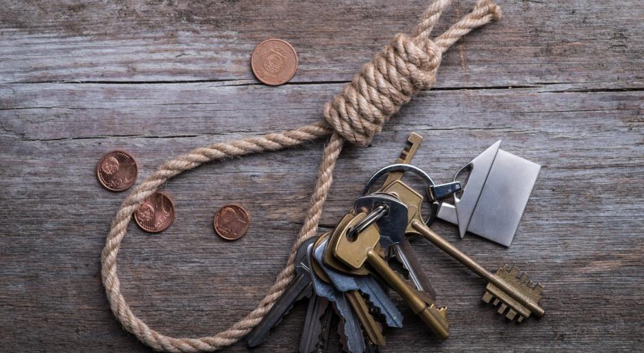 Rząd chce ukrócić lichwę w lombardach i pożyczki pod zastaw mieszkania