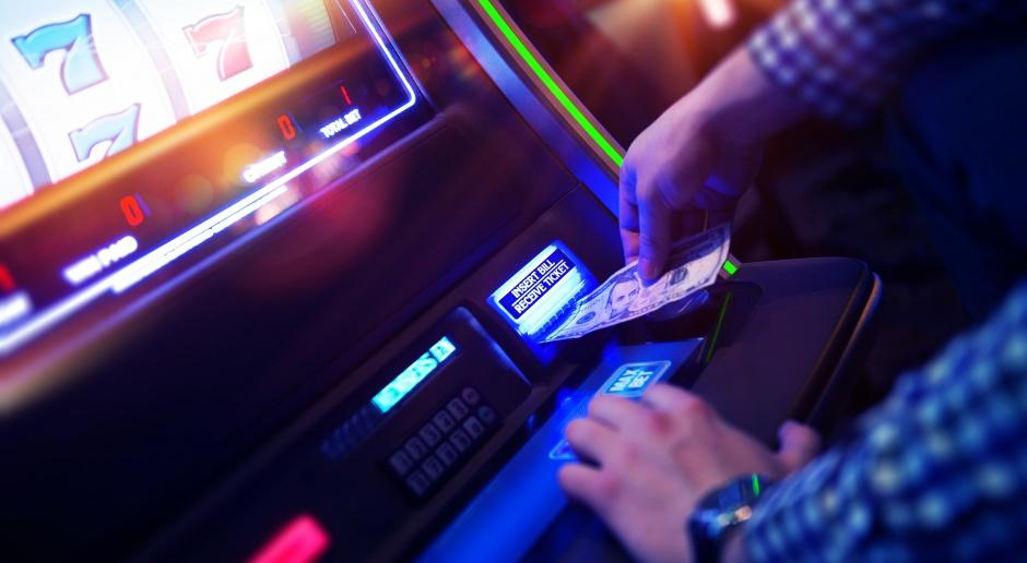 MF: surowe rozwiązania MF dot. kar za nielegalne automaty mogą wrócić w Sejmie