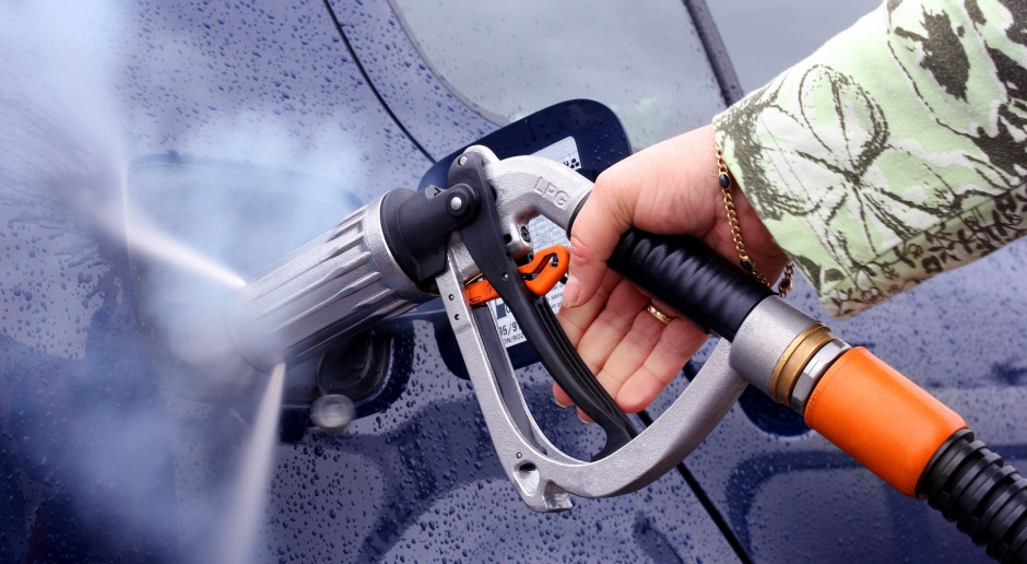 Na stacjach paliw autogaz coraz droższy