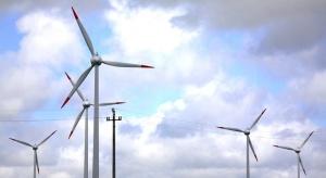 Zanosi sięna nierynkowe ograniczanie produkcji prądu z wiatraków. Znamy propozycję