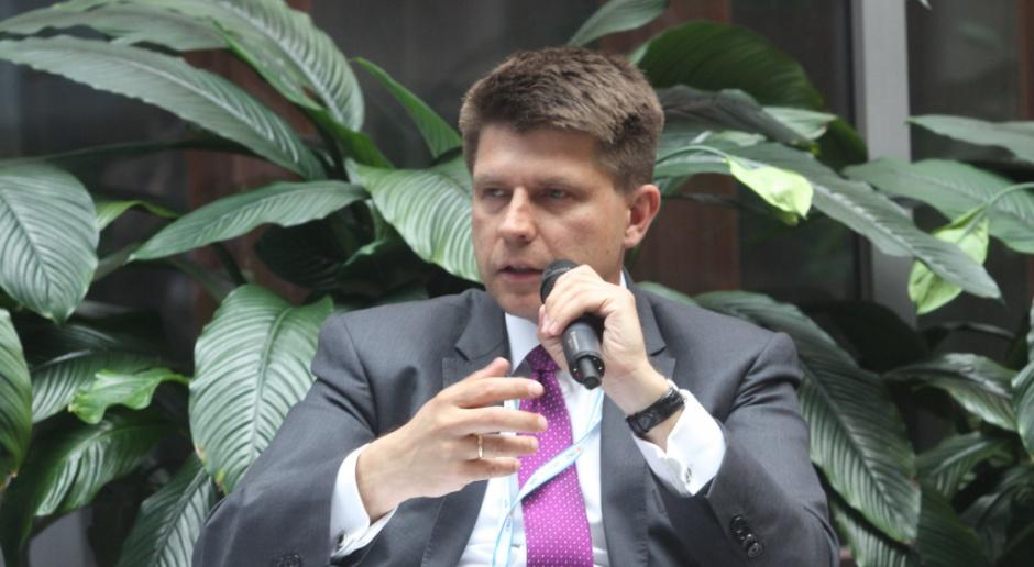Petru zaapelował do partii o wspólne rozwiązanie dot. reprywatyzacji