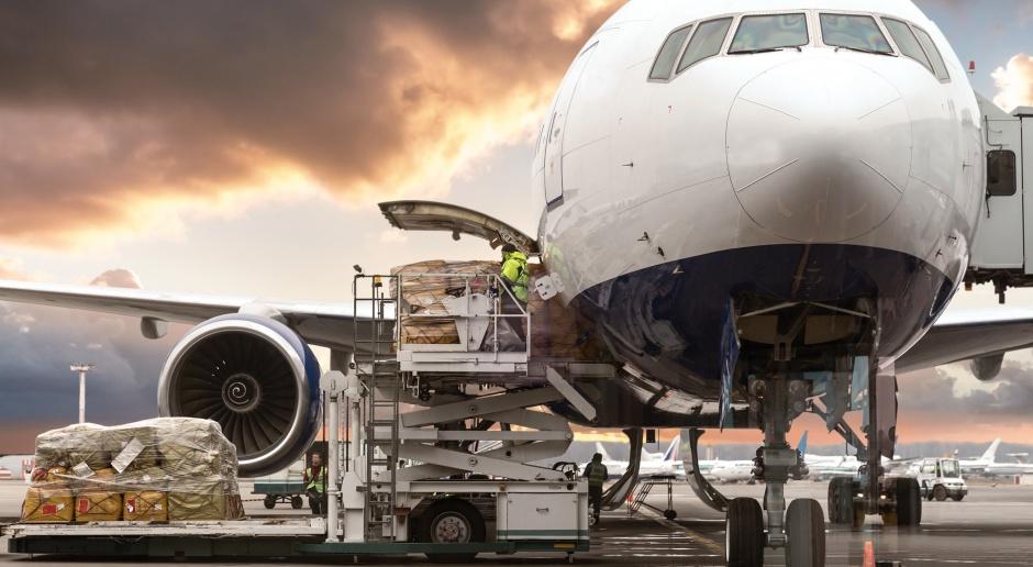 Cargo lotnicze w Polsce i na świecie - raport WNP.PL