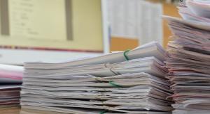 Zarządzanie dokumentacją w firmie: warto postawić na outsourcing