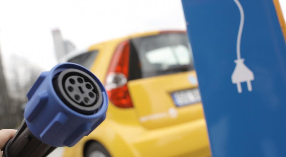 Zobacz ceny aut elektrycznych dostępnych w Polsce