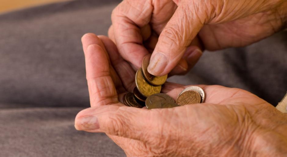 Emeryci i renciści dostali więcej pieniędzy