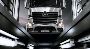 Ciężarówki Mercedesa z cyfrową książką serwisową