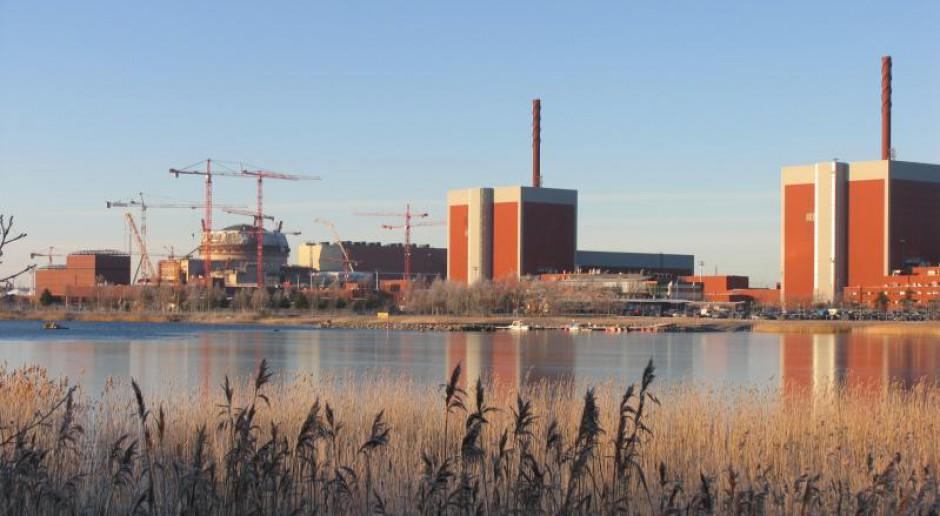 Elektrobudowa odczuwa skutki koronawirusa i sprowadza pracowników do Polski