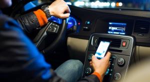 Ministerstwo Cyfryzacji wprowadzi prawo jazdy w telefonie
