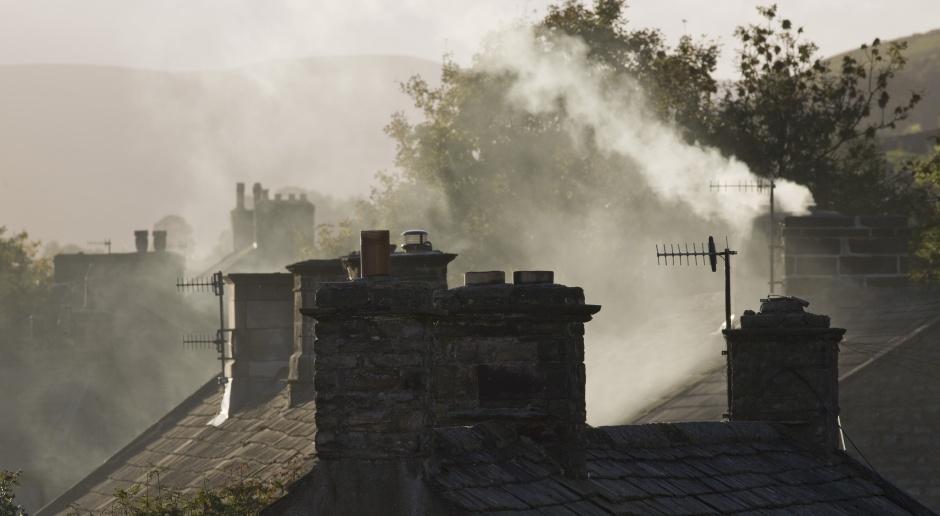 Naukowcy proponują ograniczanie smogu bez eliminowania tanich paliw węglowych