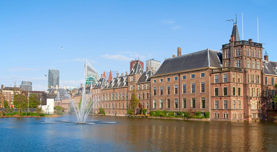 Holandia: Najwyższy stan zagrożenia z powodu orkanu Darcy