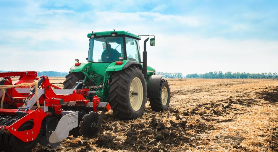 Blisko 1 mld 200 mln zł na dopłaty do paliwa rolniczego
