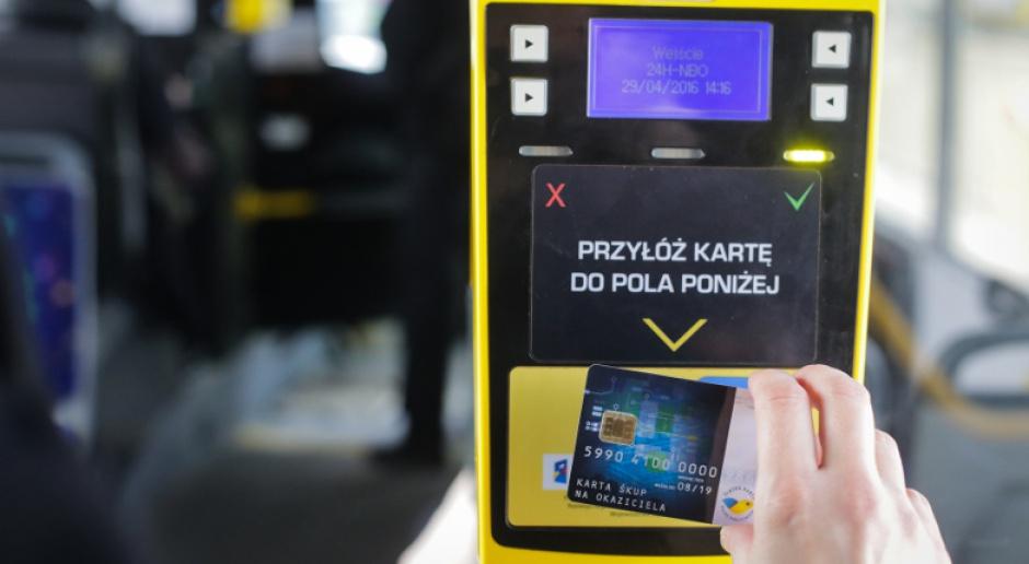 Asseco zastąpiło automat biletowy smartfonem. To pomoże w walce z koronawirusem