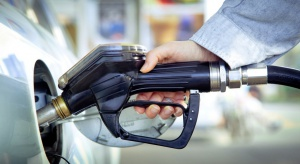 Spadki cen paliw ponownie zawitały na stacje