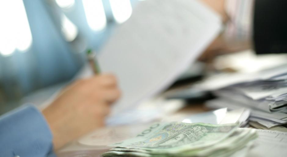 Split payment przyjęty przez rząd. Będzie obowiązkowy w niektórych branżach