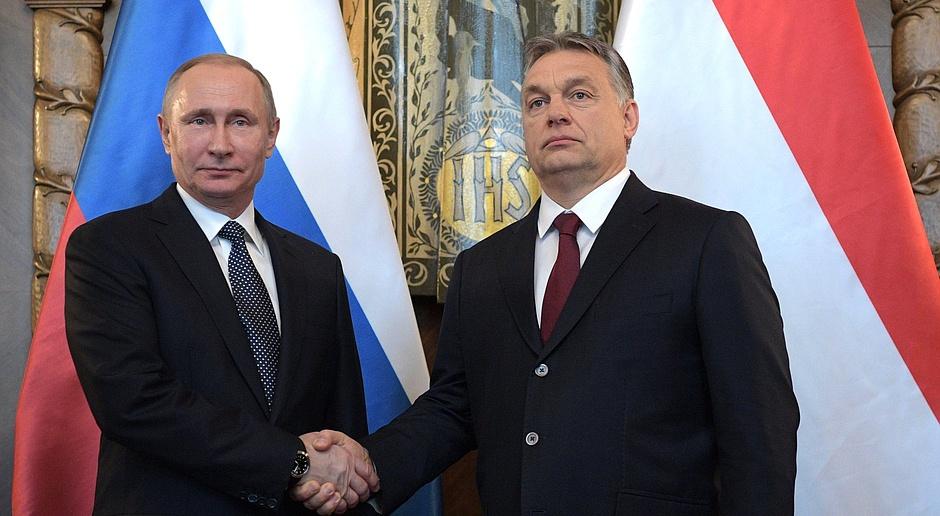 Viktor Orban i Władimir Putin rozmawiali o Tureckim Potoku i atomie