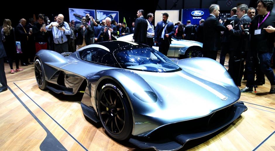 Brytyjski przemysł motoryzacyjny z umiarkowanym optymizmem o porozumieniu z UE