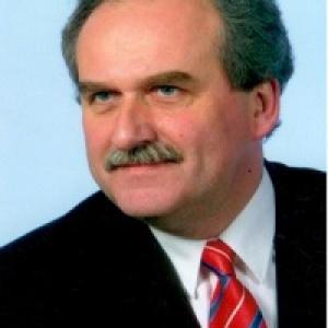 Adam  Fronczak